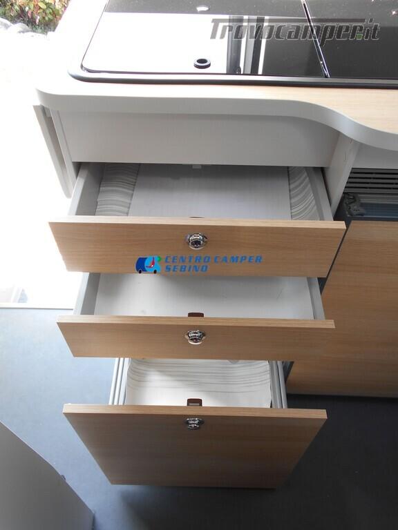 Noleggio van Font Vendome Forty Van 4x4 nuovo  in vendita a Brescia - Immagine 13