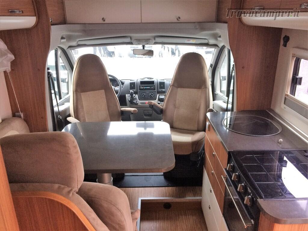 SEMINTEGRALE CON BASCULANTE E LETTO NAUTICO ADRIA MATRIX M670SC nuovo  in vendita a Rieti - Immagine 3