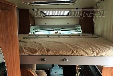 SEMINTEGRALE CON BASCULANTE E LETTO NAUTICO ADRIA MATRIX M670SC nuovo  in vendita a Rieti - Immagine 6