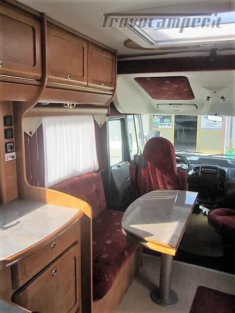 MOTORHOME 4 POSTI CON LETTO ALLA FRANCESE RAPIDO 986F usato  in vendita a Rieti - Immagine 5