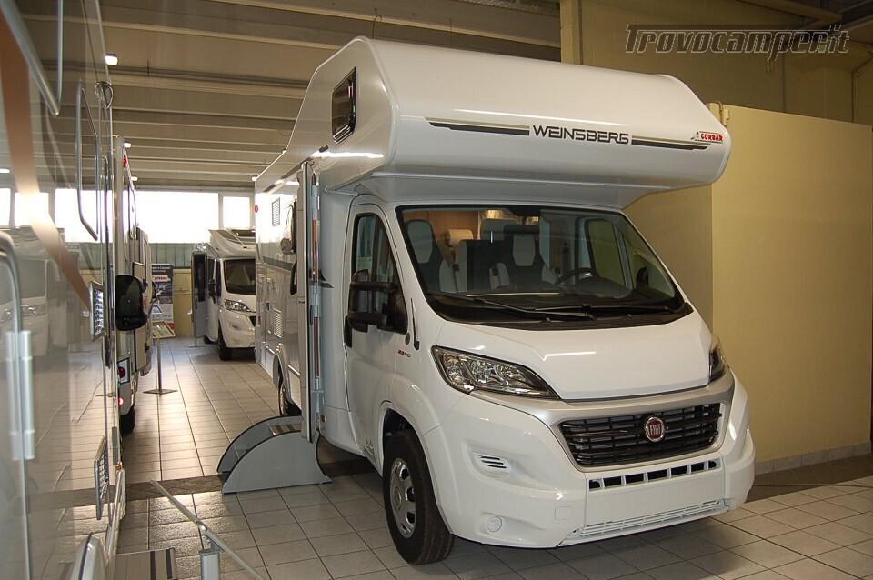 Mansardato 6 posti con castello WEINSBERG CARAHOME 600 DKG Pronta Consegna usato  in vendita a Milano - Immagine 1