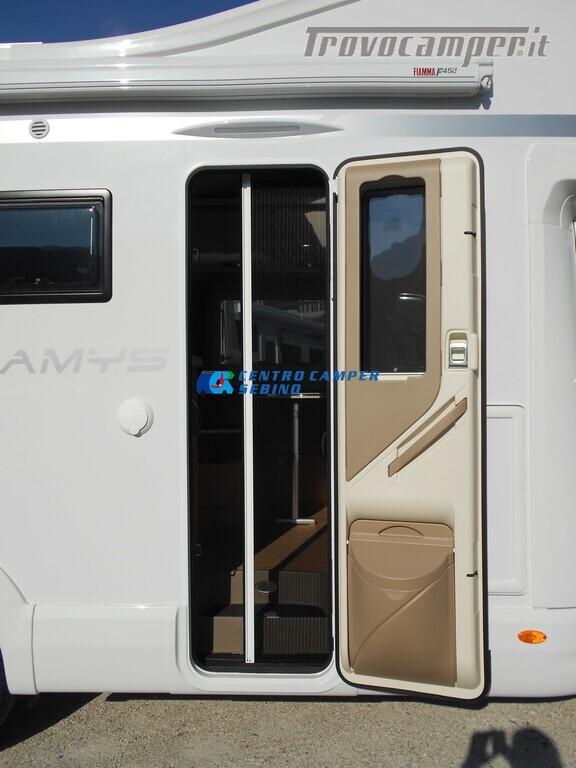 Noleggio McLouis Glamys 326 G camper mansardato 6 posti con garage nuovo  in vendita a Brescia - Immagine 6