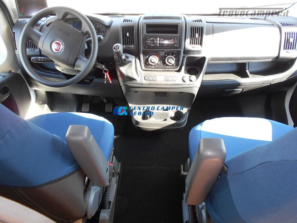 Noleggio McLouis Glamys 326 G camper mansardato 6 posti con garage nuovo  in vendita a Brescia - Immagine 7