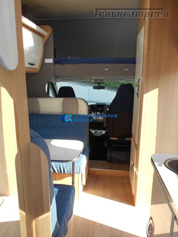 Noleggio McLouis Glamys 326 G camper mansardato 6 posti con garage nuovo  in vendita a Brescia - Immagine 8