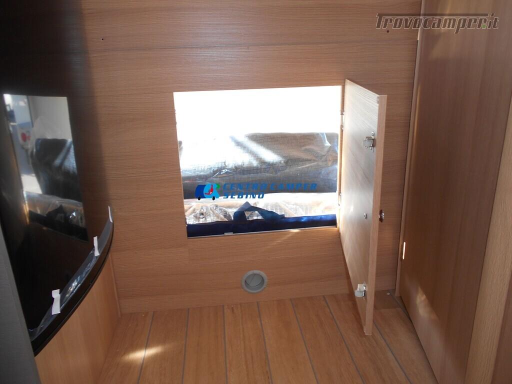 Noleggio McLouis Glamys 326 G camper mansardato 6 posti con garage nuovo  in vendita a Brescia - Immagine 19