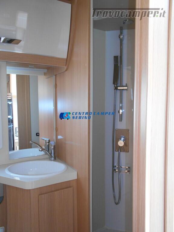 Noleggio McLouis Glamys 326 G camper mansardato 6 posti con garage nuovo  in vendita a Brescia - Immagine 23