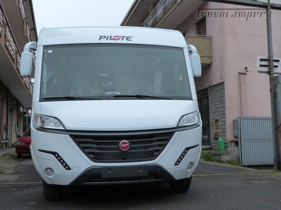 PILOTE G720 CF SENSATION MY 2020 nuovo  in vendita a Catania - Immagine 1