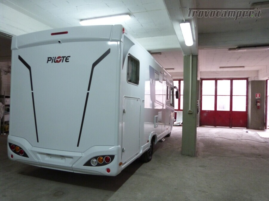 Motorhome Pilote G740GJF ESSENTIEL MY 2020 usato  in vendita a Catania - Immagine 3