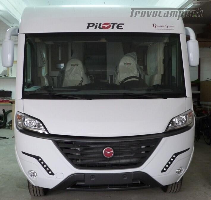 Motorhome Pilote G740GJF ESSENTIEL MY 2020 usato  in vendita a Catania - Immagine 1