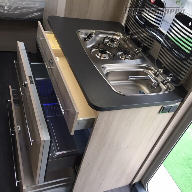 ROULOTTE CARAVELAIR ANTARES 486 STYLE usato  in vendita a Monza e Brianza - Immagine 14