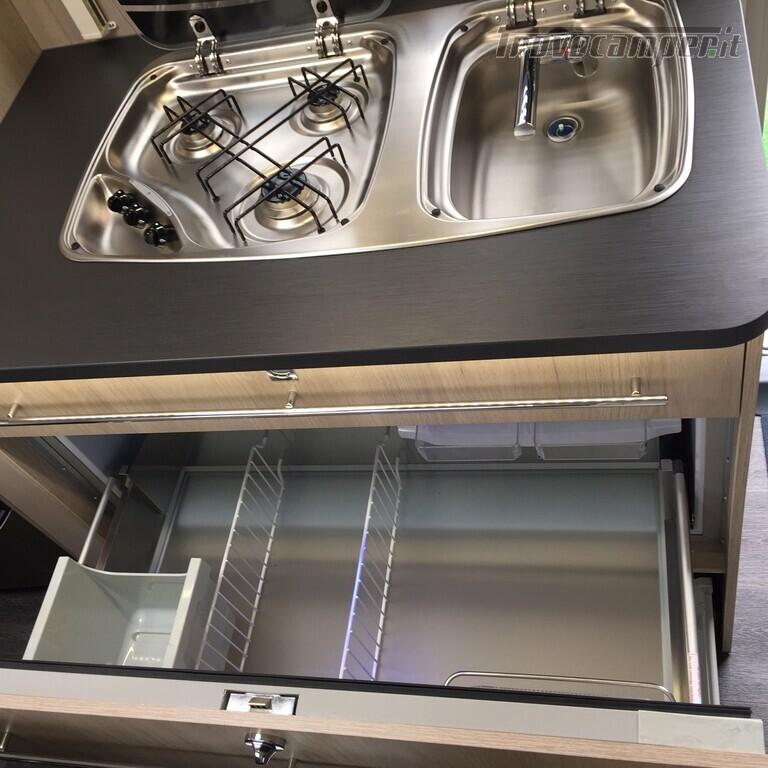 ROULOTTE CARAVELAIR ANTARES 486 STYLE usato  in vendita a Monza e Brianza - Immagine 15