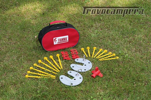 Fiamma KIT AWNING PEGS - kit picchetti ad avvitamento alta tenuta usato  in vendita a Brescia - Immagine 1