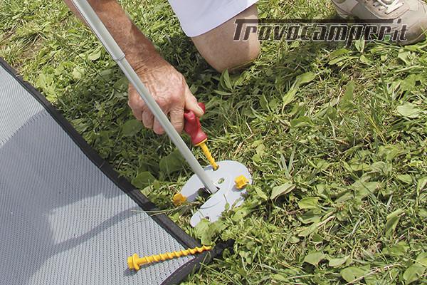 Fiamma KIT AWNING PEGS - kit picchetti ad avvitamento alta tenuta usato  in vendita a Brescia - Immagine 2