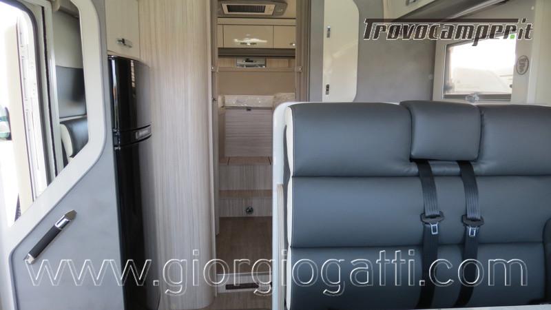 Motorhome Elnagh Magnum 530 con letti gemelli in pronta consegna nuovo  in vendita a Alessandria - Immagine 2