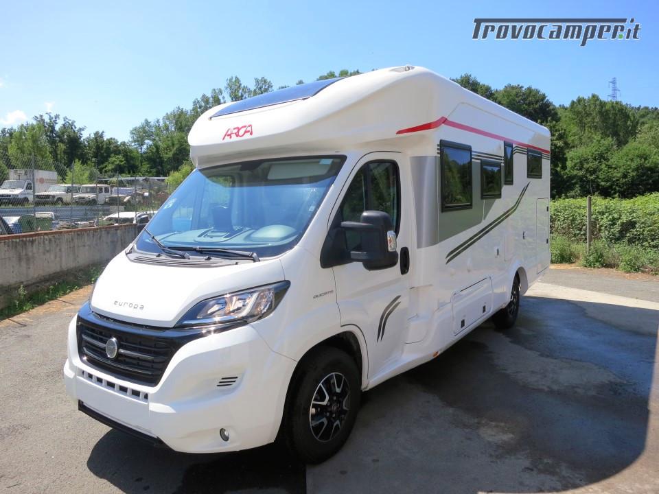Semi integrale ARCA Europa P 740 GLG con garage e letti gemelli in coda usato  in vendita a Massa-Carrara - Immagine 1