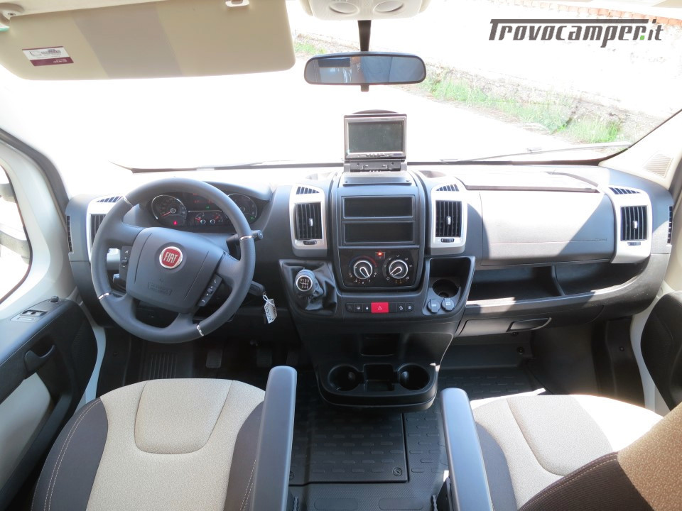 Semi integrale ARCA Europa P 740 GLG con garage e letti gemelli in coda usato  in vendita a Massa-Carrara - Immagine 4