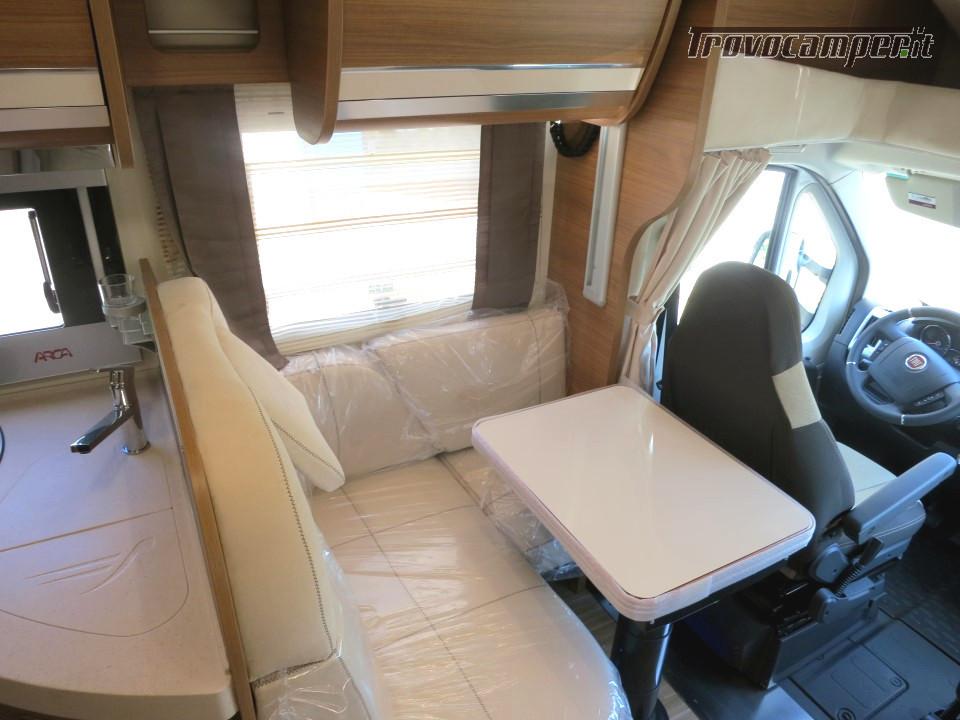 Semi integrale ARCA Europa P 740 GLG con garage e letti gemelli in coda usato  in vendita a Massa-Carrara - Immagine 5