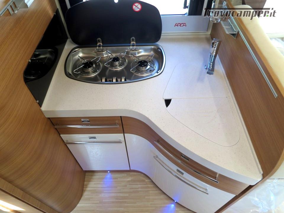 Semi integrale ARCA Europa P 740 GLG con garage e letti gemelli in coda usato  in vendita a Massa-Carrara - Immagine 7
