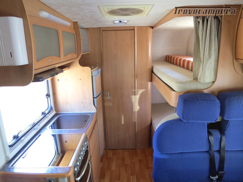 Mc Louis Tandy 610 Mansardato 6 posti letto con veranda e pannello solare usato  in vendita a Massa-Carrara - Immagine 5