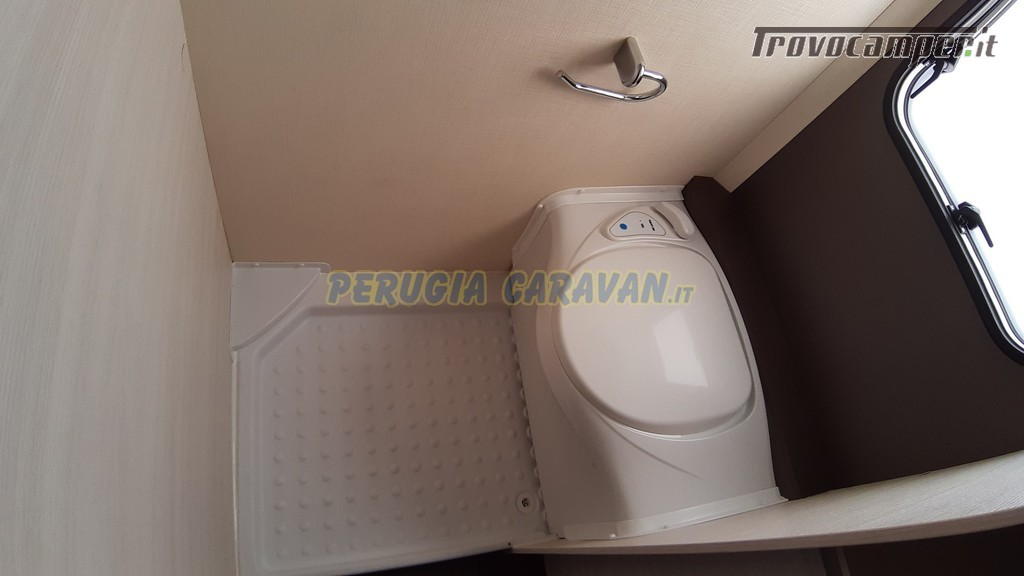 Roulotte 6 posti seminuova Caravelair Antares 496 style nuovo  in vendita a Perugia - Immagine 11