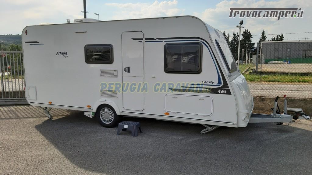 Roulotte 6 posti seminuova Caravelair Antares 496 style nuovo  in vendita a Perugia - Immagine 1