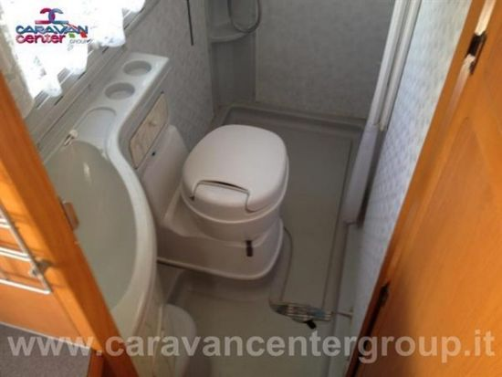 Adria coral 640 sd usato  in vendita a Campobasso - Immagine 5