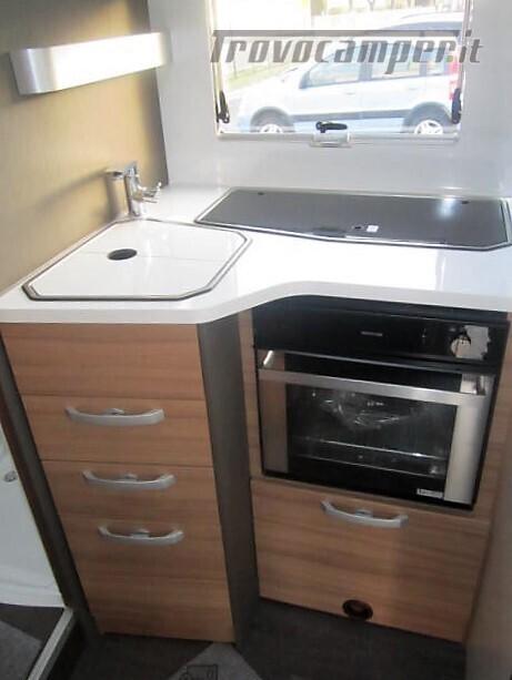 Semi-integrale con letto a penisola più basculante Adria Matrix M670 SC plus nuovo  in vendita a Rieti - Immagine 10