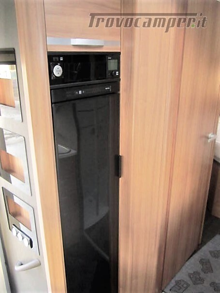 Semi-integrale con letto a penisola più basculante Adria Matrix M670 SC plus nuovo  in vendita a Rieti - Immagine 11