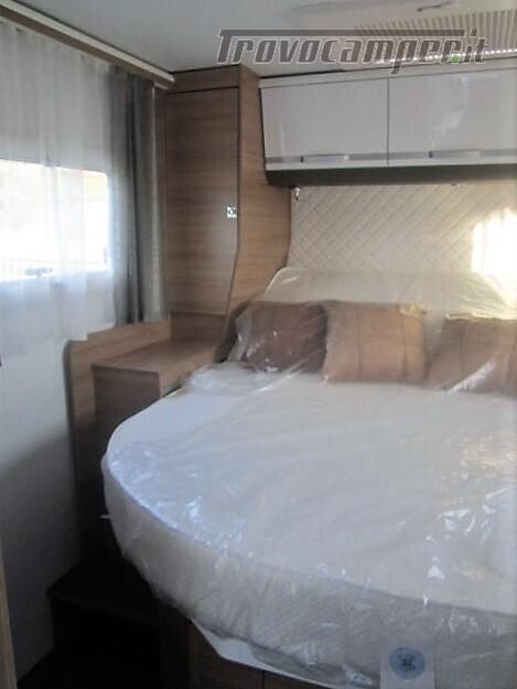 Semi-integrale con letto a penisola più basculante Adria Matrix M670 SC plus nuovo  in vendita a Rieti - Immagine 12