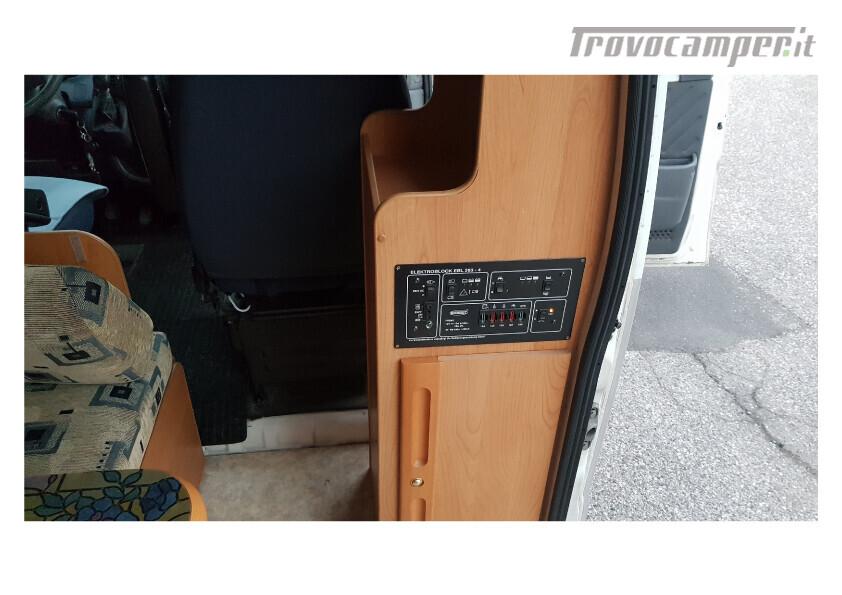 404 adria van . furgonato con dinette centrale e bagno in coda nuovo  in vendita a Bolzano - Immagine 5