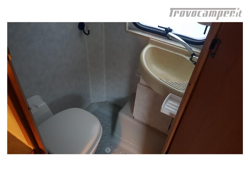 404 adria van . furgonato con dinette centrale e bagno in coda nuovo  in vendita a Bolzano - Immagine 9