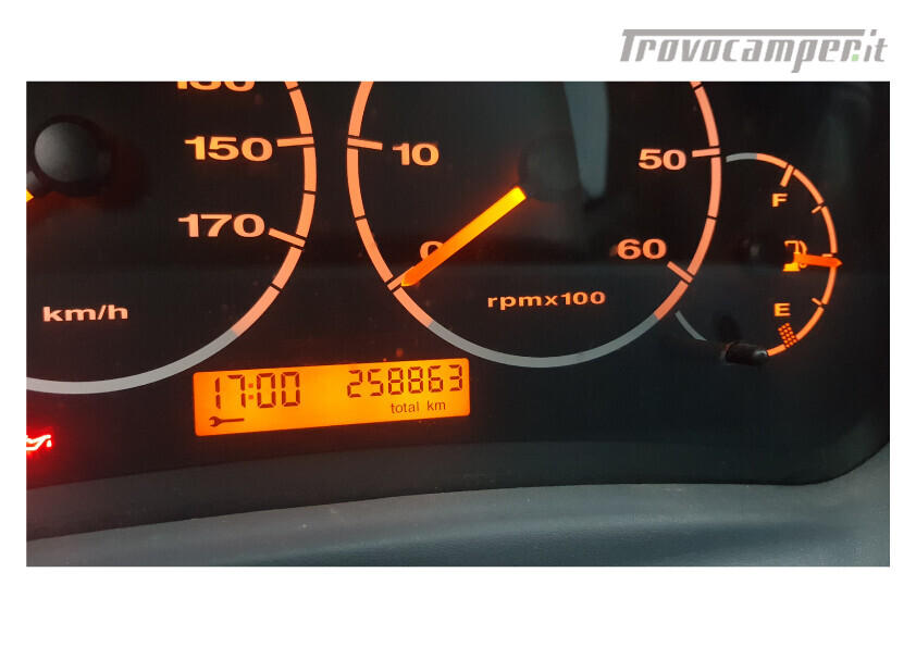 404 adria van . furgonato con dinette centrale e bagno in coda nuovo  in vendita a Bolzano - Immagine 11