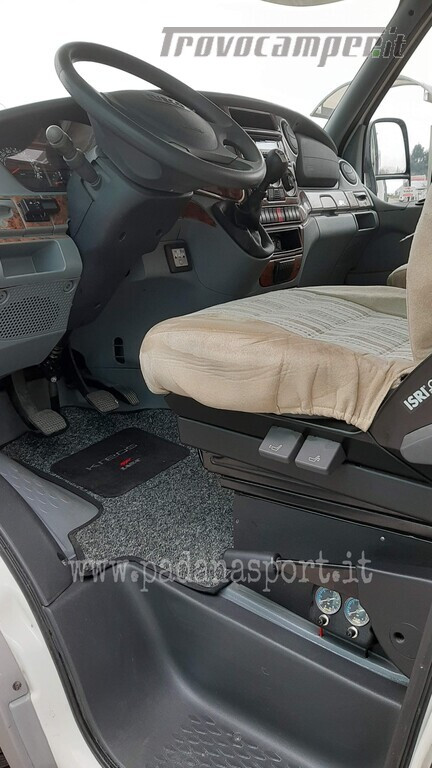 Mansardato Laika Kreos 3005 Iveco nuovo  in vendita a Pavia - Immagine 23