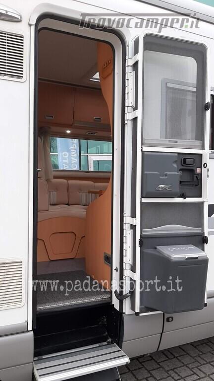 Mansardato Laika Kreos 3005 Iveco nuovo  in vendita a Pavia - Immagine 24