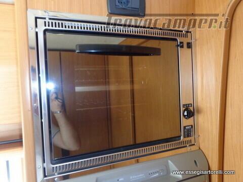Laika Ecovip 5.1 G MAXI GARAGE 2.8 JTD CLIMA anno 2002 678 cm usato  in vendita a Brescia - Immagine 20