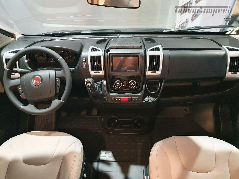 Semintegrale Burstner Travel Van T 590 G usato  in vendita a Bolzano - Immagine 6