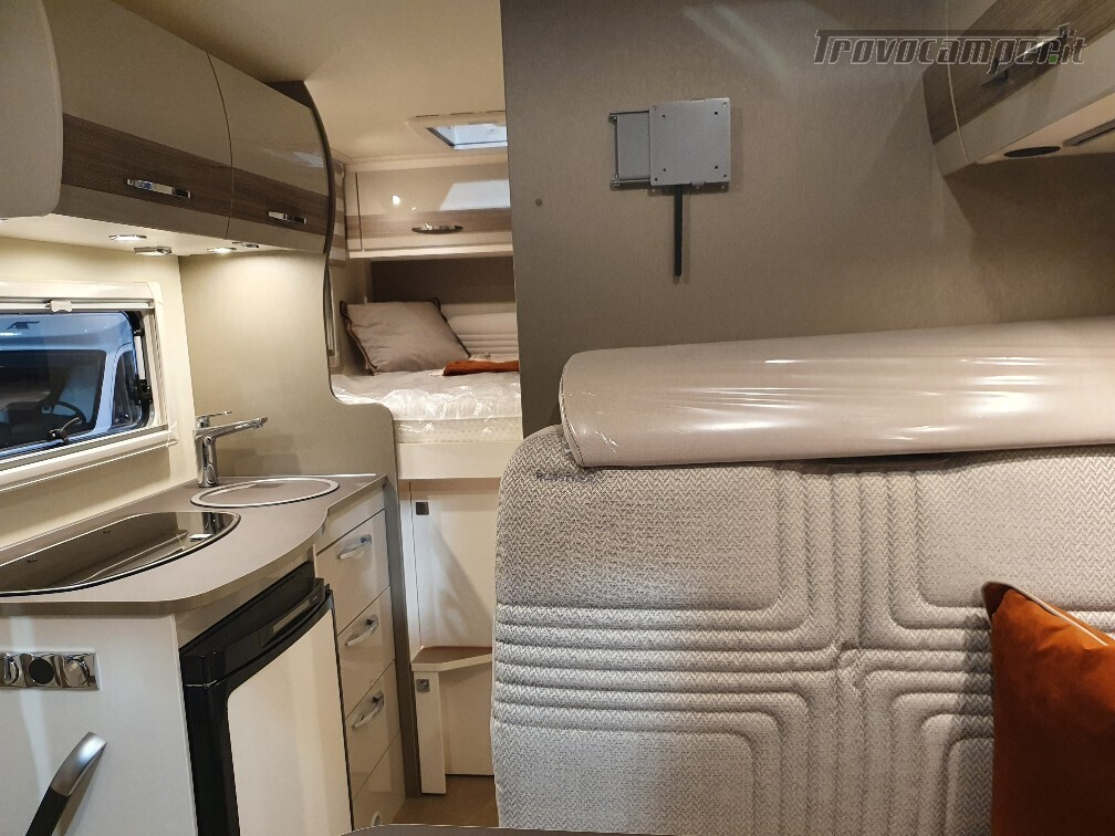Semintegrale Burstner Travel Van T 590 G usato  in vendita a Bolzano - Immagine 9