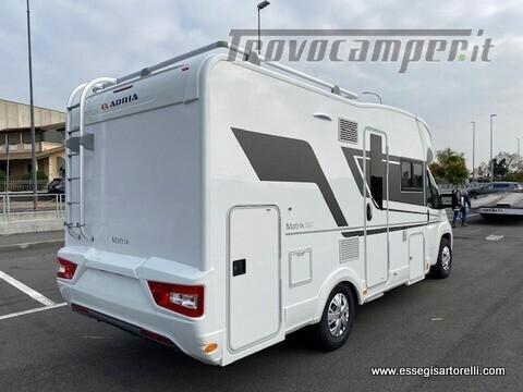 Adria MATRIX AXESS M 600 DT garage 698 cm maxicabina face to face 2021 nuovo  in vendita a Brescia - Immagine 2
