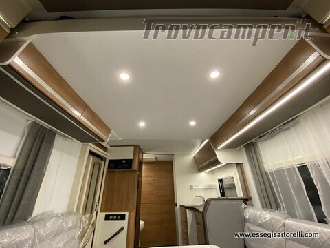 Adria MATRIX AXESS M 600 DT garage 698 cm maxicabina face to face 2021 nuovo  in vendita a Brescia - Immagine 5