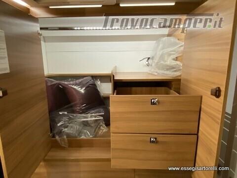 Adria MATRIX AXESS M 600 DT garage 698 cm maxicabina face to face 2021 nuovo  in vendita a Brescia - Immagine 16
