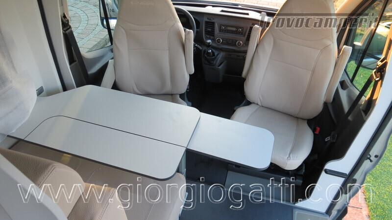 Camper puro Fontvendome Forty Van 4x4 Integrale 5,98mt usato  in vendita a Alessandria - Immagine 2