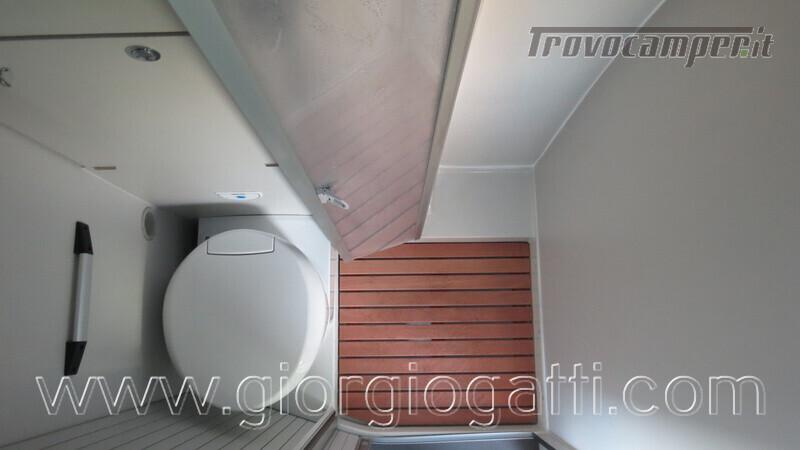 Camper puro Fontvendome Forty Van 4x4 Integrale 5,98mt usato  in vendita a Alessandria - Immagine 4