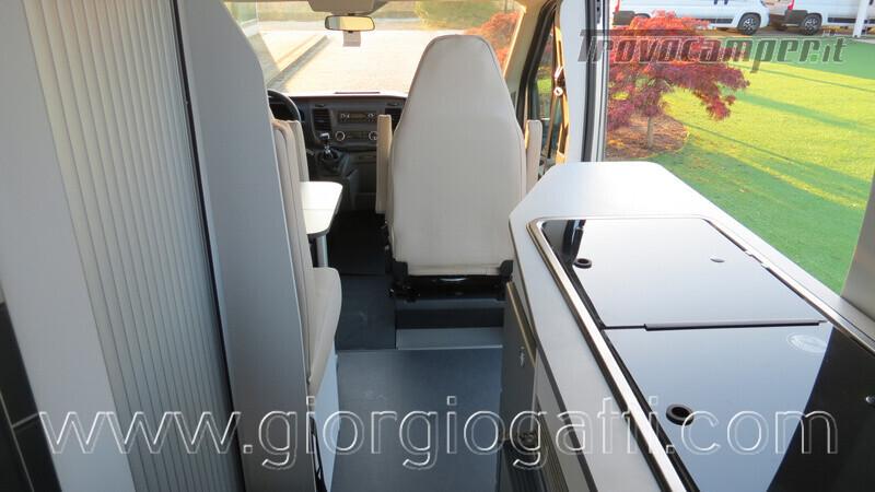 Camper puro Fontvendome Forty Van 4x4 Integrale 5,98mt usato  in vendita a Alessandria - Immagine 7