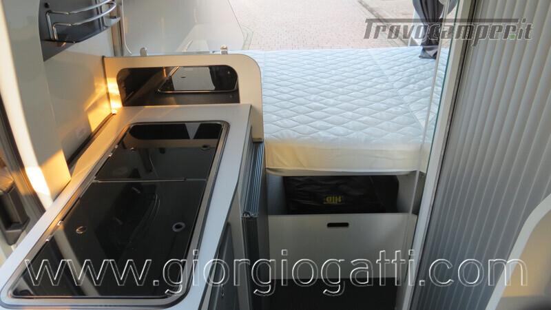 Camper puro Fontvendome Forty Van 4x4 Integrale 5,98mt usato  in vendita a Alessandria - Immagine 8