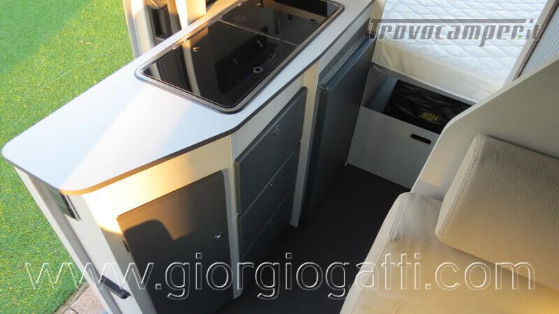 Camper puro Fontvendome Forty Van 4x4 Integrale 5,98mt usato  in vendita a Alessandria - Immagine 9