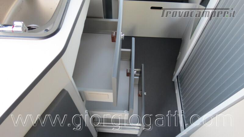 Camper puro Fontvendome Forty Van 4x4 Integrale 5,98mt usato  in vendita a Alessandria - Immagine 13