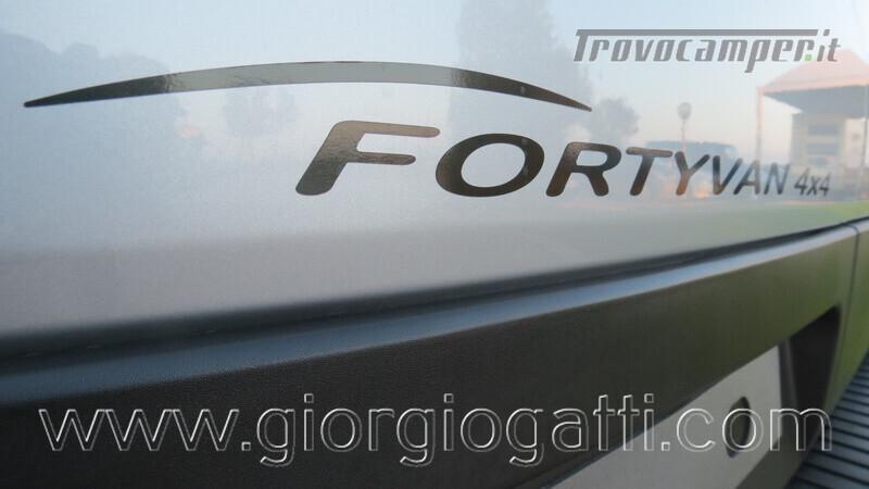 Camper puro Fontvendome Forty Van 4x4 Integrale 5,98mt usato  in vendita a Alessandria - Immagine 17