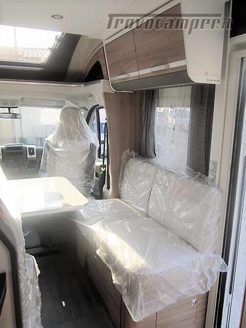 SEMINTEGRALE 6 POSTI CON BASCULANTE E GARAGE DA 6.99 MT ADRIA MATRIX M600 SP usato  in vendita a Rieti - Immagine 5