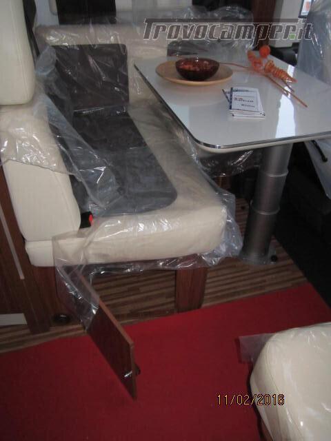 SEMINTEGRALE CON BASCULANTE E LETTO A PENISOLA ADRIA MATRIX M670SC PLUS usato  in vendita a Rieti - Immagine 17