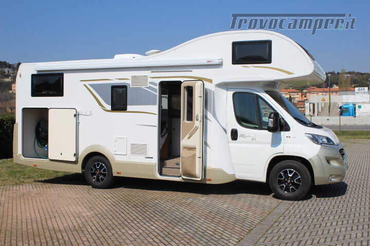 Magis 84 M mansardato letti gemelli e garage anno 2019 usato  in vendita a Rimini - Immagine 3